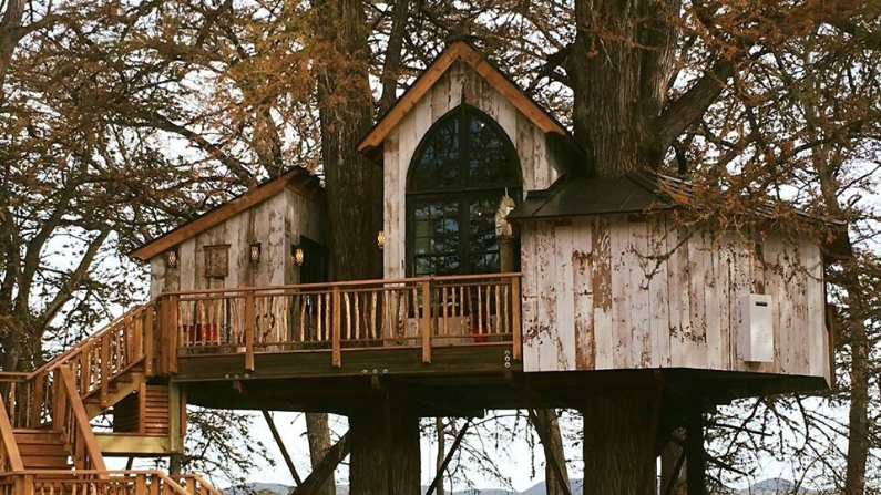 10 Treehouse Rentals in Texas